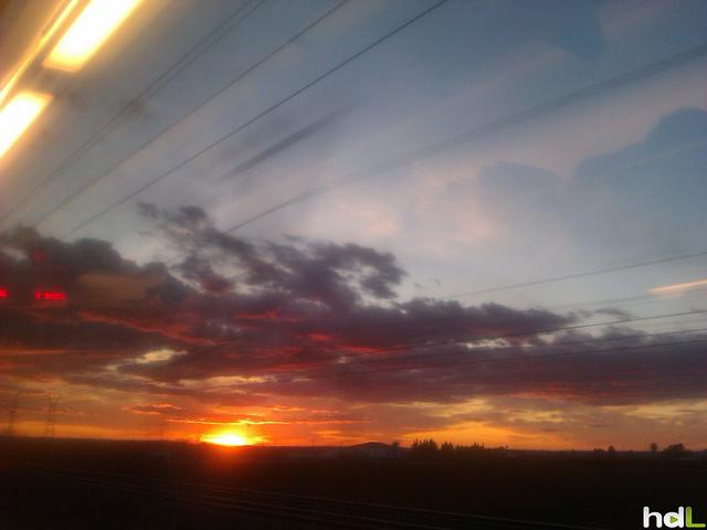 HDL Amanecer en el tren