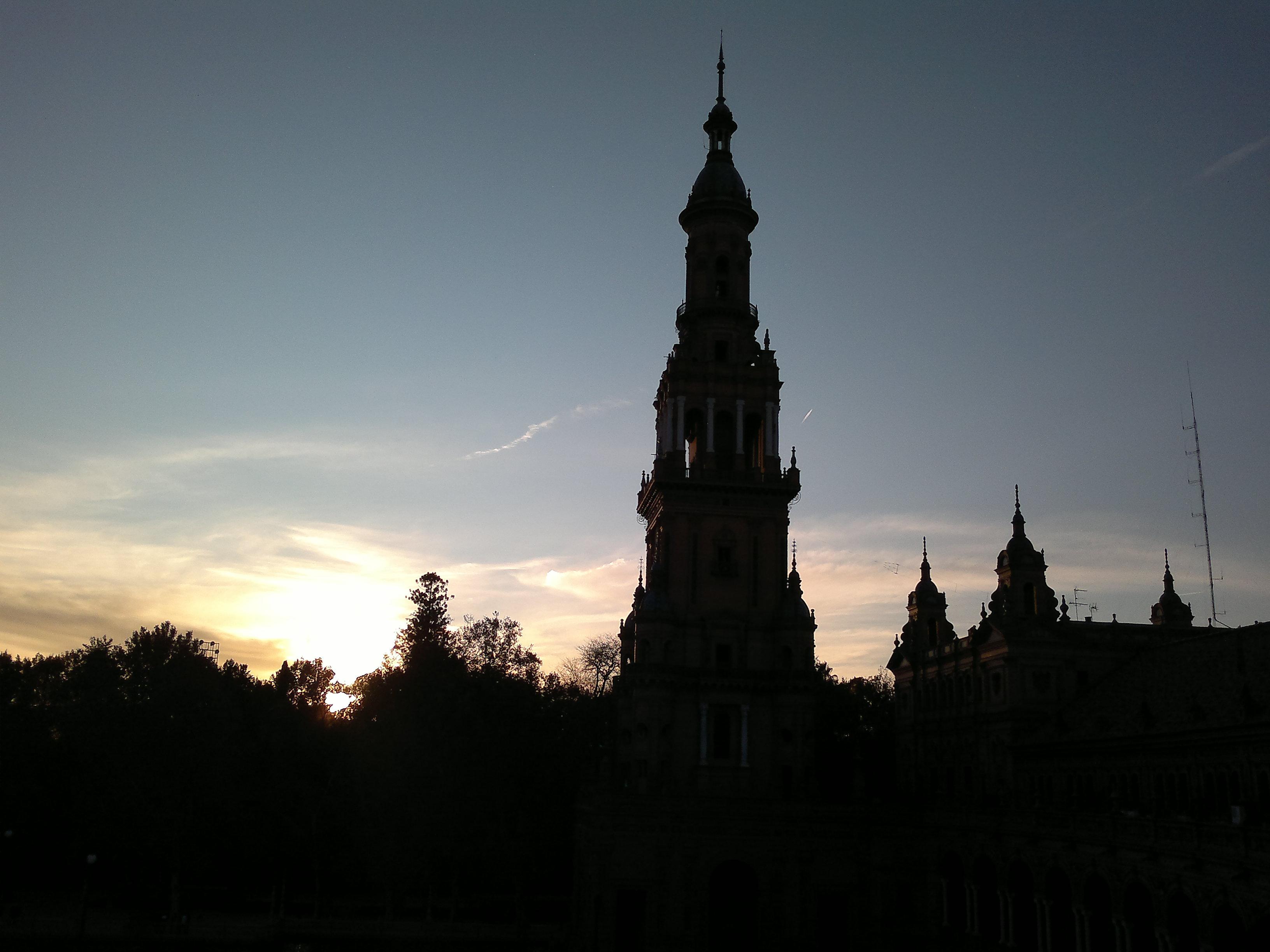 Atardecer en la Plaza de España de Sevilla