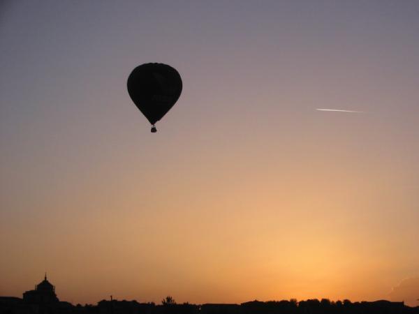 Atardecer desde un globo aerostático