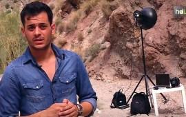 Natural de Quesada, en Jaén, Antonio Pérez Rojo ha disparado ya algunas fotografías de premio, como las que le convirtieron en 2013 en el Mejor Fotógrafo Joven Europeo. Antes, ya había sido finalista. A sus 22 años ha trabajado ya con las mejores agencias de modelos, y ha sido fotógrafo asistente para campañas de marcas como Channel o Adidas. Especializado en fotografía de moda, ha trabajado en otros países y ha sido reconocido en otros concursos nacionales de fotografía.