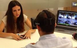 Jóvenes emprendedores malagueños han comenzado a trabajar con la realidad virtual aplicada a la psicología. En concreto, están usando esta tecnología para el tratamiento de fobias como el miedo a las alturas o a las aves. Es una de las líneas de la empresa que han creado, 'Ooh! Virtual'.