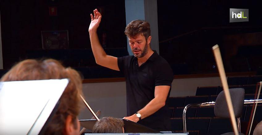 Desde 2012 es el director principal de la Orchestra of St. Luke's de Nueva York. El granadino Pablo Heras-Casado fue director de orquesta del año según Musical America en 2014, cuando también fue nombrado principal director invitado del Teatro Real en Madrid. Dirige las orquestas más importantes por todo el mundo y ha participado en grabaciones discográficas para Deutsche Grammophon's.
