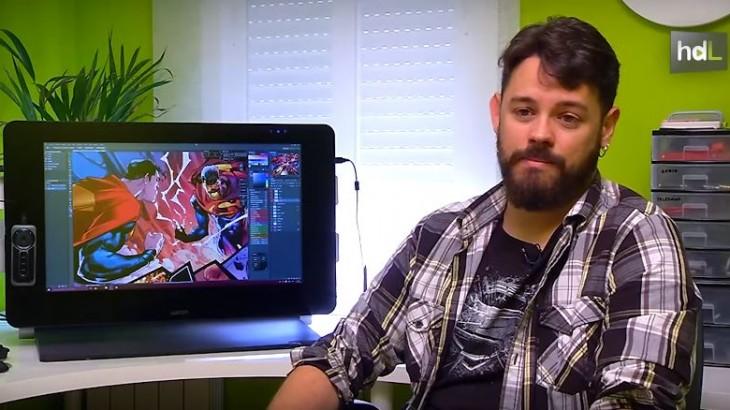 Estudió Bellas Artes y aunque no era muy fanático de los cómics, ha acabado trabajando en ese sector. El granadino Alejandro Sánchez es colorista desde hace unos años en la editorial americana DC Comics, para la que ha coloreado a personajes como Superman, Batman o Wonder Woman. En su última etapa ha trabajado codo con codo con otro granadino, el dibujante Jorge Jiménez.