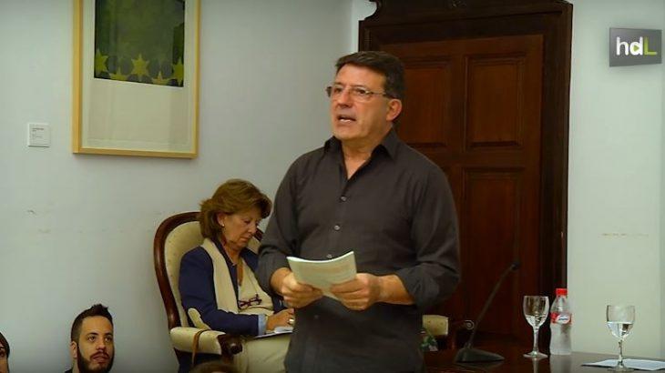 El cordobés Antonio Villar comenzó trabajando en la radio. Sus primeros trabajos de doblaje fueron en Sevilla y después dio el salto a Madrid. Es el director de doblaje de la exitosa serie Juego de Tronos, en la que también dobla a Petyr Baelish, apodado Meñique, el personaje al que da vida el actor Aidan Gillen. Por el trabajo de doblaje en esta serie el equipo ha sido reconocido por la Asociación de Traducción y Adaptación Audiovisual de España.