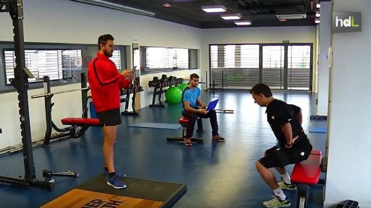 Un estudio realizado por investigadores de la Universidad de Granada ha revelado que el entrenamiento de alta intensidad es muy beneficioso para la salud de las personas sedentarias. Realizar un entrenamiento muy intenso durante un intervalo breve de tiempo genera un mayor gasto energético que un entrenamiento aeróbico estándar.