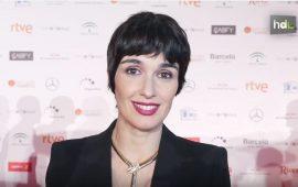 """""""Para mí Andalucía son los pueblos blancos que hay... Por Cádiz, Málaga, Granada"""", dice Paz Vega. Y hace referencia también la actriz sevillana a """"la gente sencilla"""". Por último, para describir Andalucía, Paz Vega recuerda que aquí """"es diferente cómo se vive""""."""