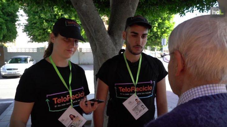 TeloReciclo es una iniciativa que ha comenzado su andadura en Almería, gracias a la cual varias personas con discapacidad intelectual recogerán por toda la ciudad teléfonos móviles en desuso, con el fin de fomentar el reciclaje de estos dispositivos. El proyecto está promovido por Orange, junto con la asociación de personas con discapacidad intelectual A Toda Vela, y la empresa ecosocial de mensajería Koiki. Con el programa se consigue generar puestos de trabajo en la localidad,  participar en la inclusión de personas con discapacidad intelectual en el mundo laboral y colaborar a mantener un entorno más sostenible gracias al reciclaje.