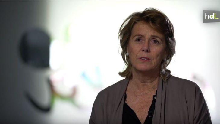 Unas prácticas universitarias como voluntaria cambiaron la vida de Isabel Guirao, nacida en Granada y almeriense de adopción, para siempre. A los 18 años decidió que su vida estaría ligada a las personas con capacidades diferentes y en 1997 dio un paso adelante y fue una de las fundadoras de la asociación A Toda Vela de Almería, especializada en el ocio de personas con discapacidad intelectual. Isabel Guirao es la primera mujer emprendedora social de España, nombrada en el año 2006 por la asociación Ashoka, y tiene la Medalla de Oro al Mérito Educativo de la Junta de Andalucía. Sus retos futuros pasan por consolidar el ocio de las personas con discapacidad intelectual y trasladar esta metodología al ámbito de la formación y del empleo.