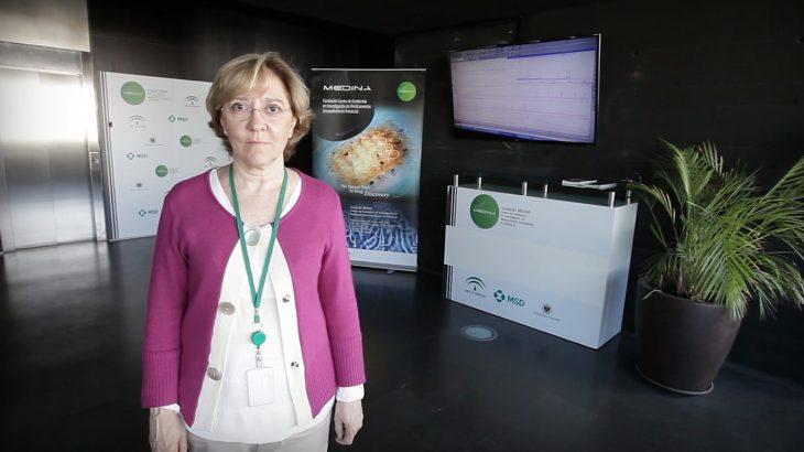 Doctora en Química, Olga Genilloud es la directora científica de la Fundación MEDINA, ubicada en el Parque Tecnológico de la Salud de Granada. Se trata de un centro de investigación de referencia internacional en la búsqueda de moléculas que puedan convertirse en fármacos. La Fundación posee una de las mayores colecciones de cultivos del mundo. Olga fue nombrada directora científica de la Fundación en febrero de 2009.